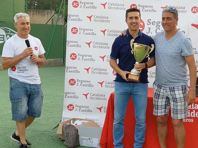 Seguros J. Castillo con el tenis